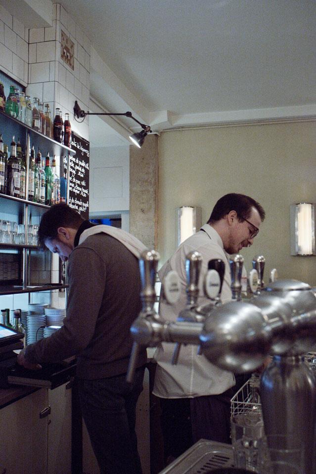 SI @ Pause Café @ 41 Rue de Charonne04P160NC
