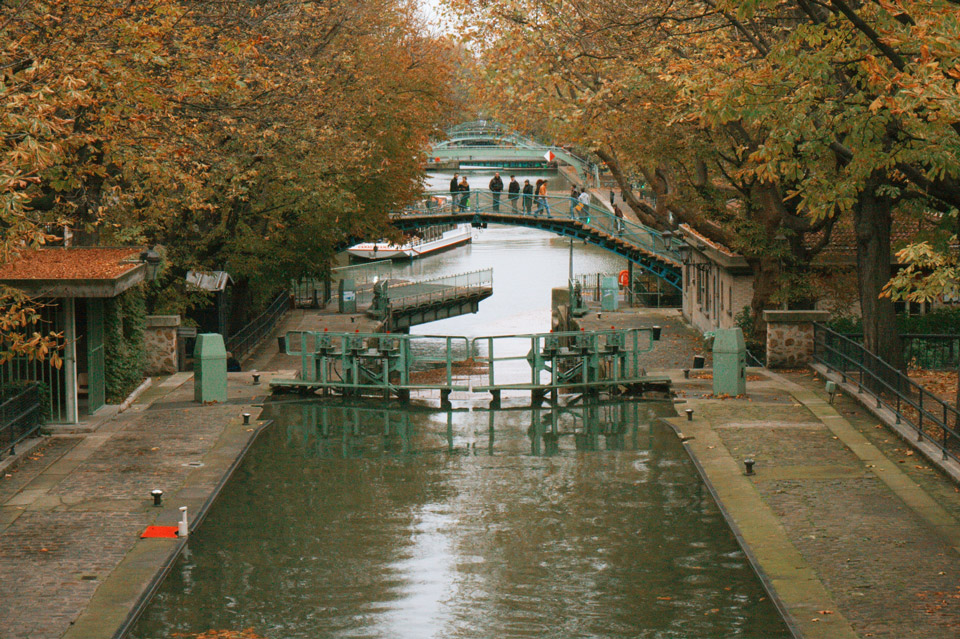 Canal-St-Martin18tc4 Nov 2010