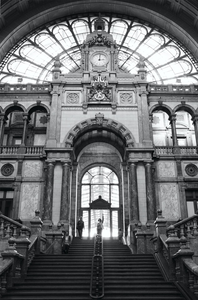 Antwerp-Central-Station14a25bw
