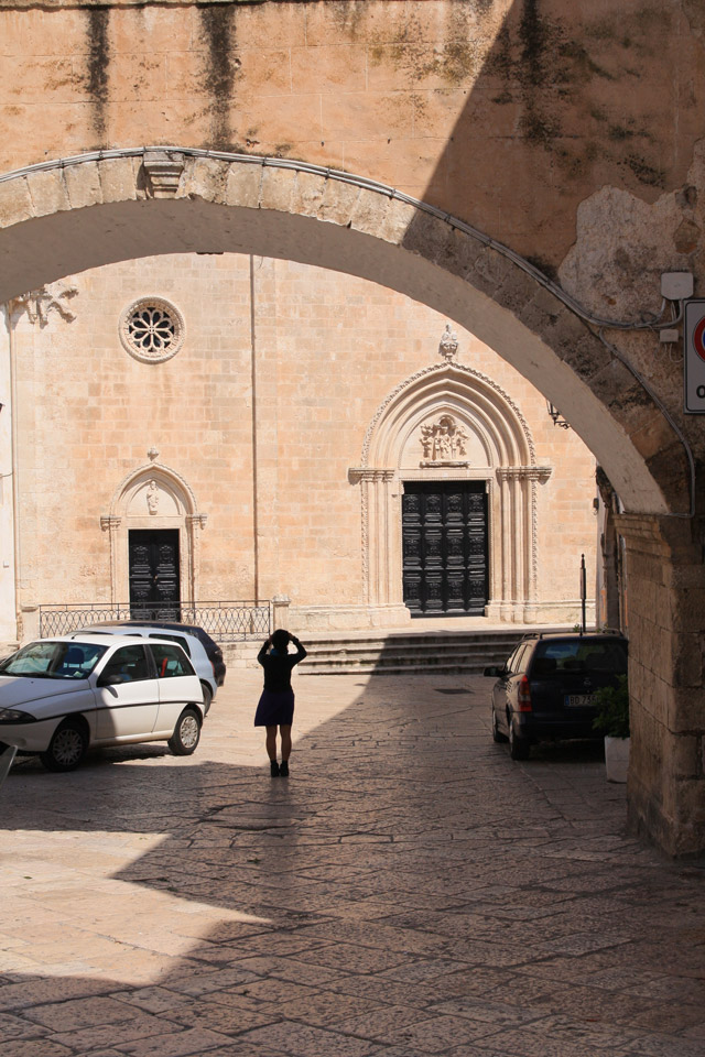 Ostuni---streets73-AB---me-in-front-of-a-chiesa