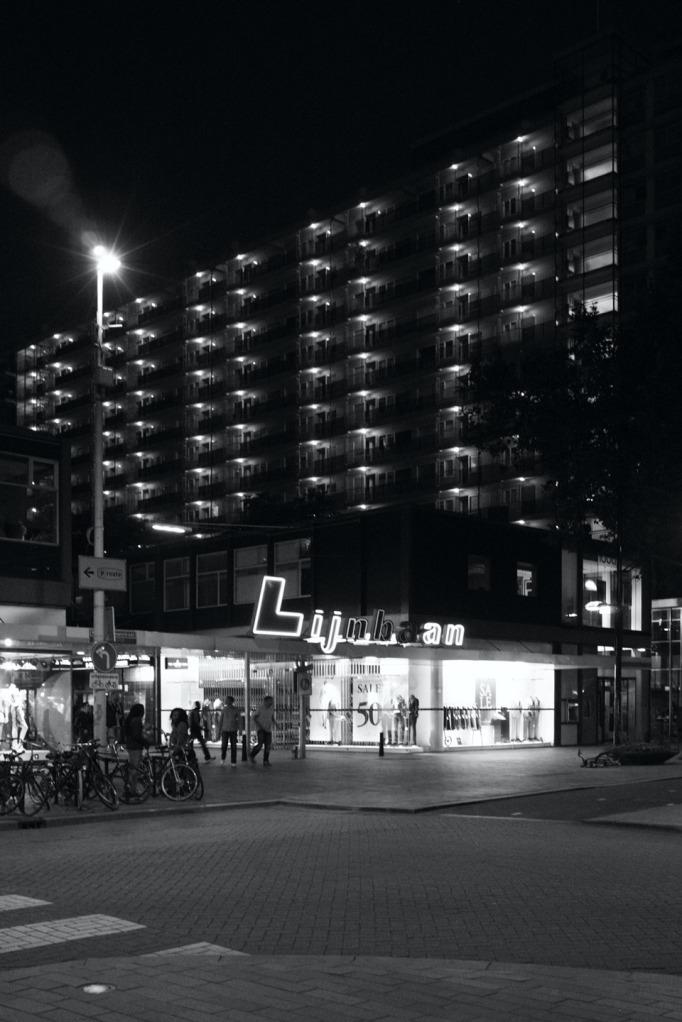 Streets01 - like Tanjong Pagara25bw