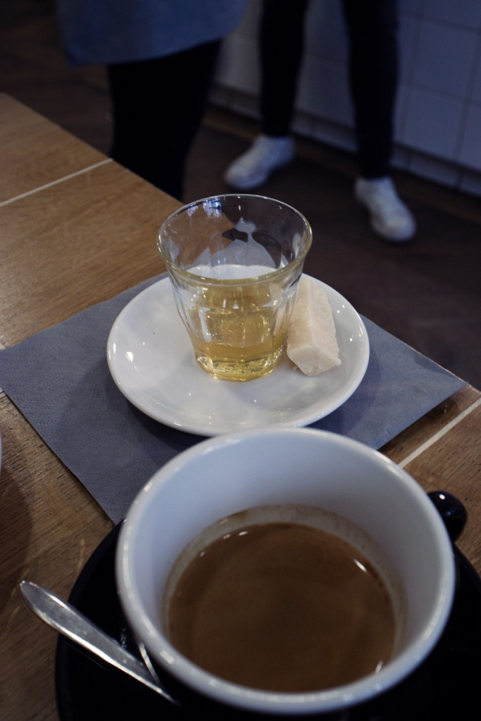 Coutume café @ 47 rue de Babylone01 - café Coutume honey + parmesanl64lf