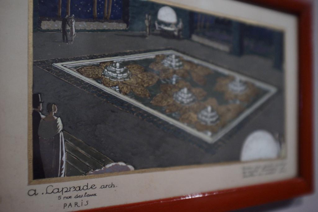 04 Perspective du bassin avec grands nymphéas de cristal lumineux en metal doré @ expo art déco 1925 - Albert Lapradek64