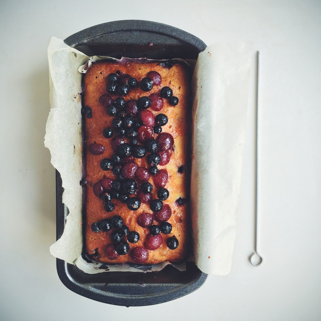 blackcurrant-morello-drizzle-cake2