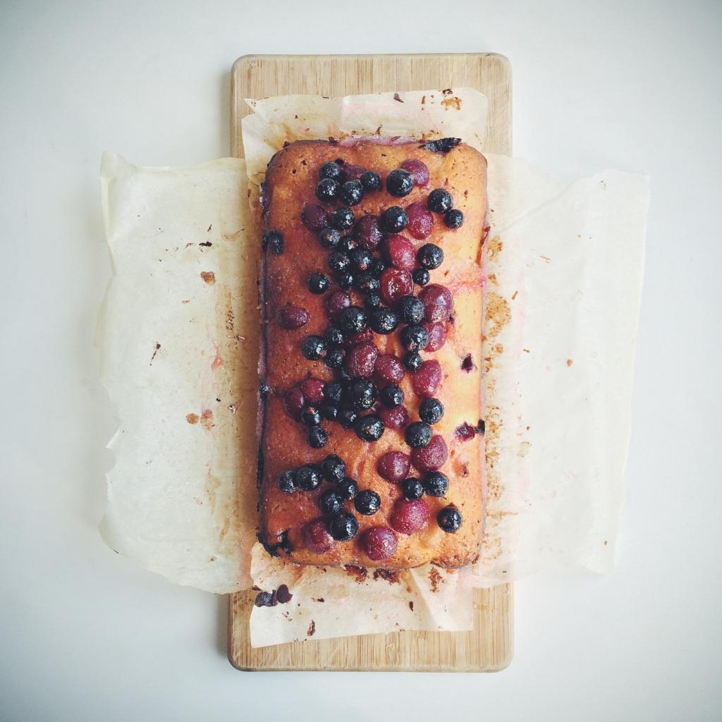 blackcurrant-morello-drizzle-cake3