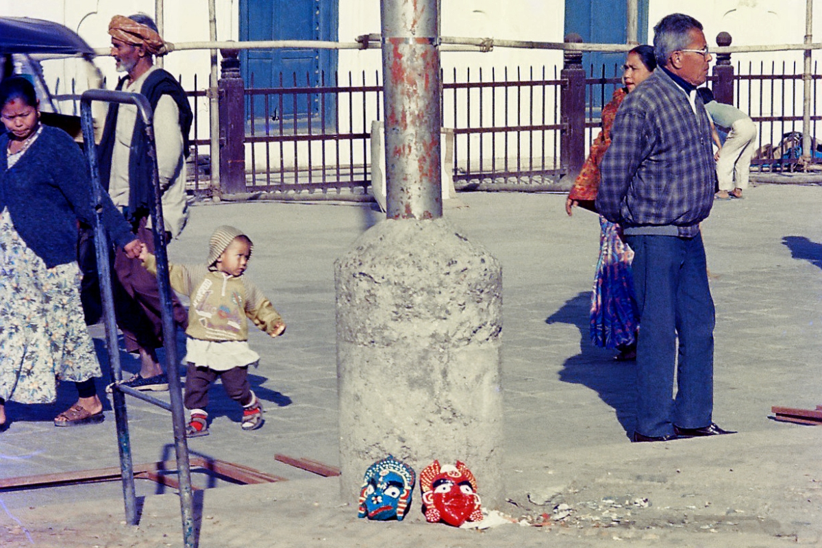 Nepal 1998 - Kathmandu streets 02